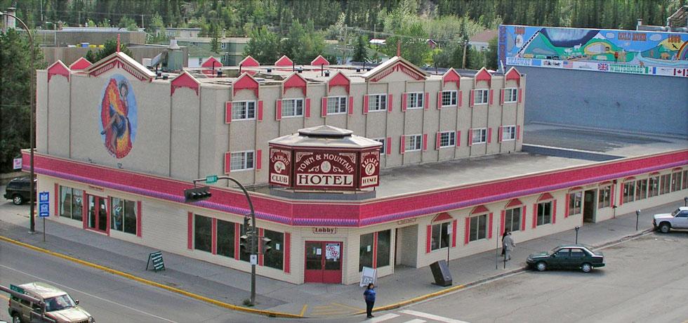 Town Amp Mountain Hotel Downtown Whitehorse Yukon